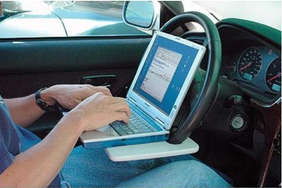 steering-wheel-laptop-desk