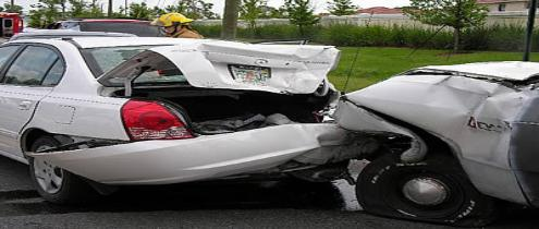 car collision 2 495x210 Ways to obtain best deals while buying car insurance