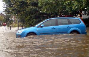 wokingham visgandis1 car 470x300 300x191 Flood Prone Areas under the Scanner to No Insurance by Car Insurers, Warns ABI